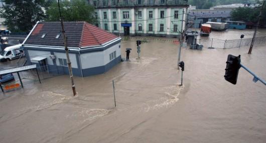 Serbia - Powódź na wschodzie kraju, samochody pływały w błocie 8