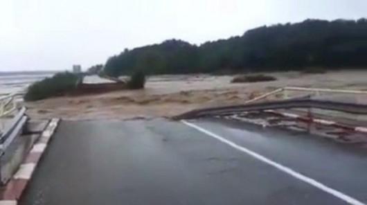 Serbia - Powódź na wschodzie kraju, samochody pływały w błocie 9