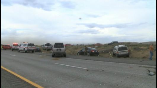 USA - Kilkadziesiąt zniszczonych samochodów przez burzę piaskową w stanie Waszyngton 2