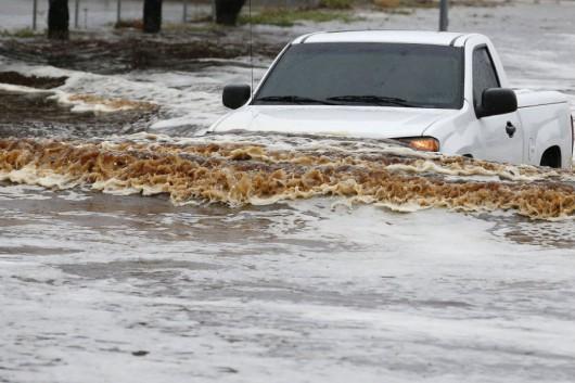 USA - Przez cyklon Norbert okolice Las Vegas znalazły się pod wodą 10