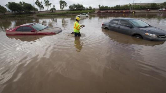 USA - Przez cyklon Norbert okolice Las Vegas znalazły się pod wodą 5