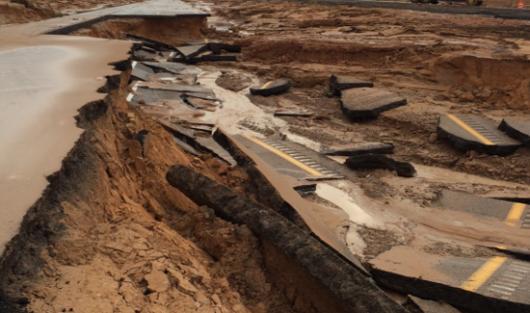 USA - Przez cyklon Norbert okolice Las Vegas znalazły się pod wodą 7