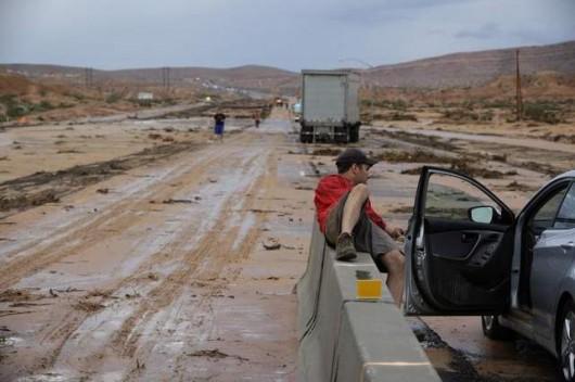 USA - Przez cyklon Norbert okolice Las Vegas znalazły się pod wodą 9