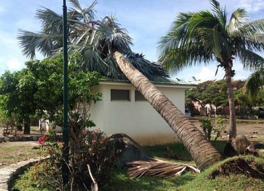 Bermudy - Huragan Gonzalo uderzył w wyspę 1