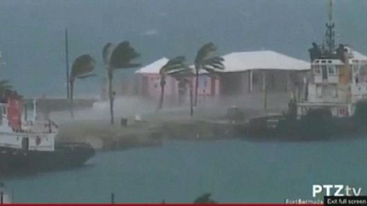 Bermudy - Huragan Gonzalo uderzył w wyspę 7