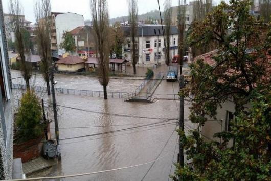 Bułgaria - Ulewny deszcz i śnieżyce paraliżują kraj, 30 tysięcy domów bez prądu 7