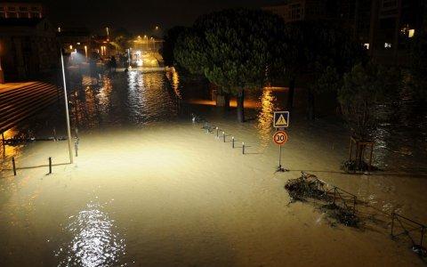 Francja - Silny wiatr i duże opady deszczu na południu kraju 7