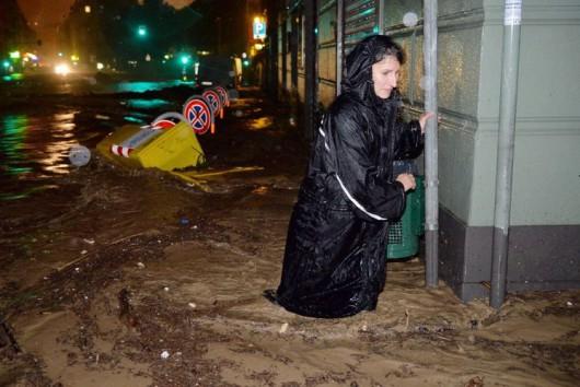 Genua , Włochy - Gwałtowne i ogromne opady deszczu 3