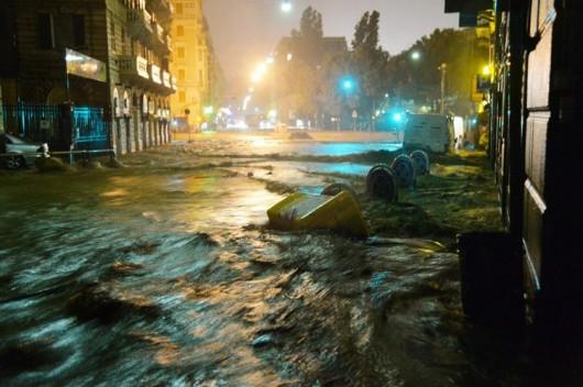 Genua , Włochy - Gwałtowne i ogromne opady deszczu 4