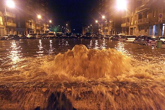 Genua , Włochy - Gwałtowne i ogromne opady deszczu 6