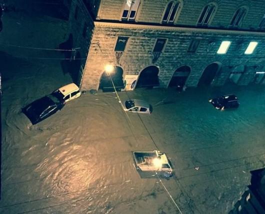 Genua , Włochy - Gwałtowne i ogromne opady deszczu 7