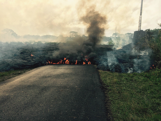 Hawaje, USA - Lawa zaczyna niszczyć domy 4