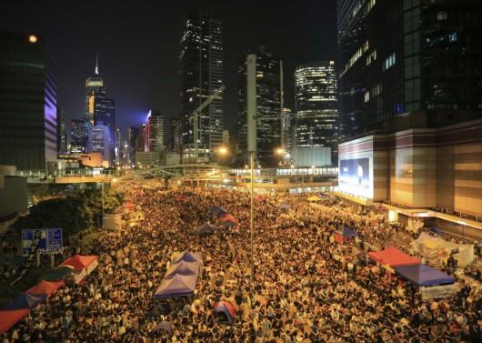 HongKong, Chiny - Kolejne duże starcia uczestników prodemokratycznych protestów 2