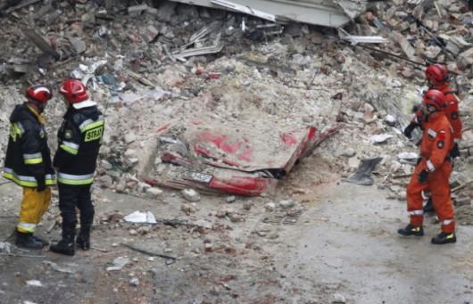 Katowice, Polska - Eksplozja gazu zniszczyła kamienicę