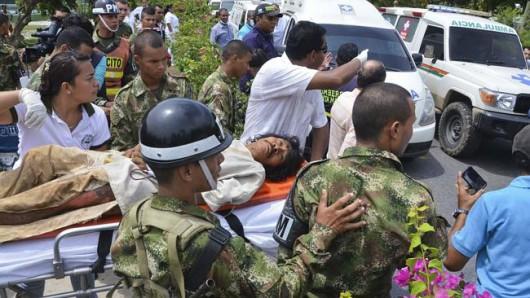 Kolumbia - Piorun uderzył w małą wioskę podczas odprawiania rytualnych obrządków 2