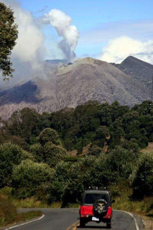 Kostaryka - Po 148 latach budzi się wulkan Turrialba 2