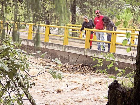 Meksyk - Powodzie i lawiny błotne na południu kraju 1