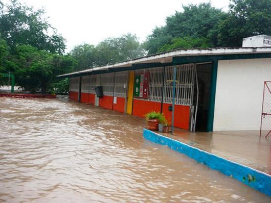 Meksyk - Powodzie i lawiny błotne na południu kraju 6