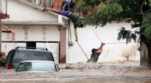 Meksyk - Powodzie i lawiny błotne na południu kraju 8