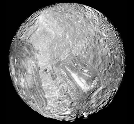 Miranda - księżyc Urana