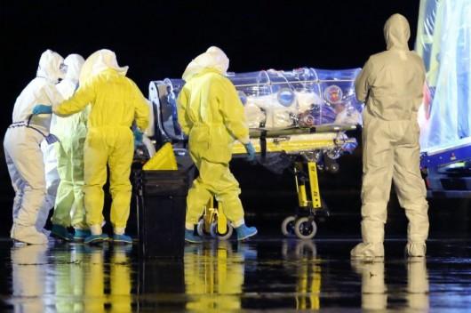 Niemcy - Pracownik ONZ zarażony wirusem Ebola trafił w stanie krytycznym do szpitala w Lipsku
