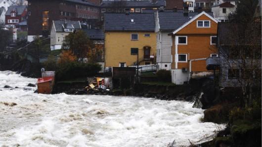 Norwegia - Ogromna powódź na zachodzie kraju z powodu ulewnych deszczy 12