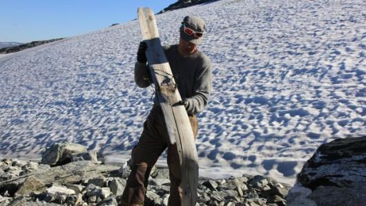 Norwegia - Znaleziono narty z wiązaniami, które mają 1300 lat, foto. Oppland fylkeskommune