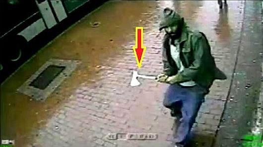 Nowy Jork, USA - Zaatakował policjantów siekierą