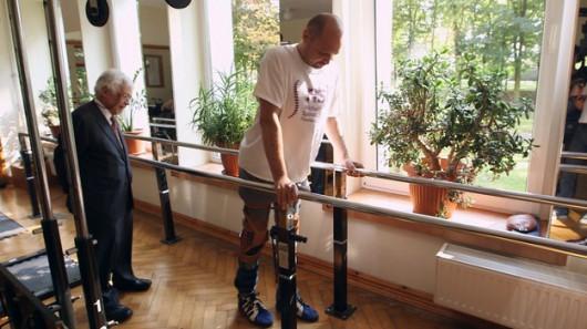Pacjent odzyskał władzę nad kończynami /BBC/HANDOUT /PAP/EPA
