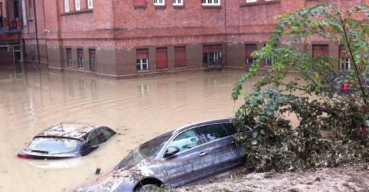 Włochy - Deszcze, osunięcia ziemi i lawiny błotne  04