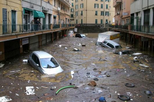 Włochy - Deszcze, osunięcia ziemi i lawiny błotne 09