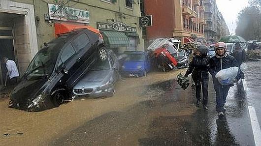Włochy - Deszcze, osunięcia ziemi i lawiny błotne 12