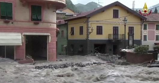 Włochy - Deszcze, osunięcia ziemi i lawiny błotne 13
