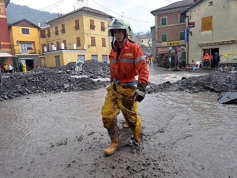 Włochy - Deszcze, osunięcia ziemi i lawiny błotne 14
