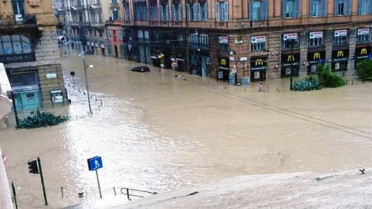 Włochy - Deszcze, osunięcia ziemi i lawiny błotne 15