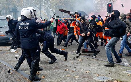 Belgia - Masowe demonstracje z powodu planów zwiększenia wieku emerytalnego z 65 do 67 lat 1