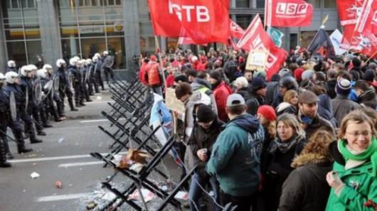 Belgia - Masowe demonstracje z powodu planów zwiększenia wieku emerytalnego z 65 do 67 lat 3