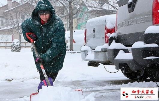 Chiny - Śnieżyce i paraliż komunikacyjny na północnym wschodzie kraju 1