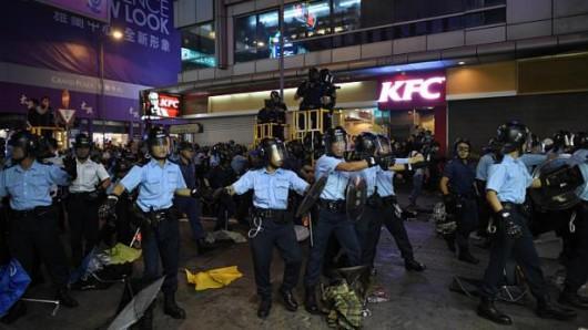 Chiny - Kolejne starcia w HongKongu 1