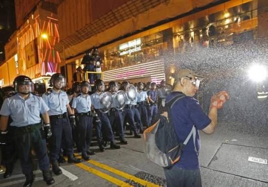 Chiny - Kolejne starcia w HongKongu 2