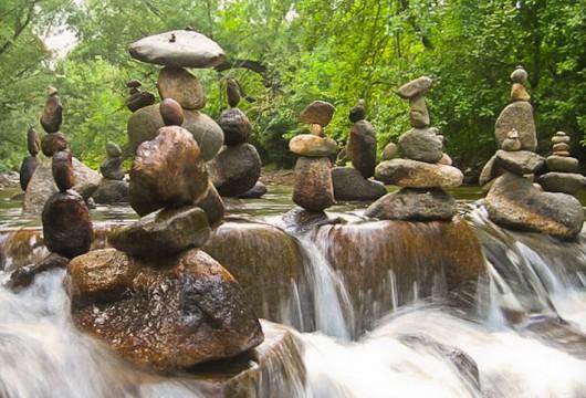 Ciekawa technika układania kamieni bez spoiwa 24
