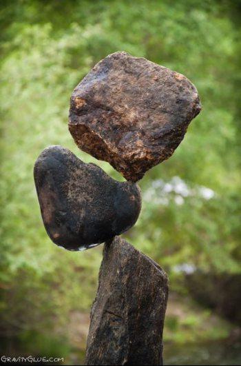 Ciekawa technika układania kamieni bez spoiwa 25