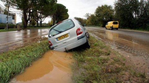Francja - Burze i ulewny deszcz na południowym-wschodzie kraju 4