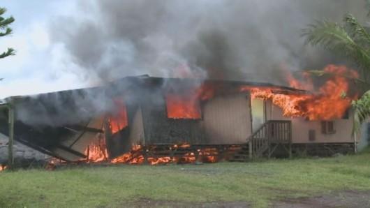 Hawaje, USA - Lawa z wulkanu Kilauea spaliła pierwszy dom 2