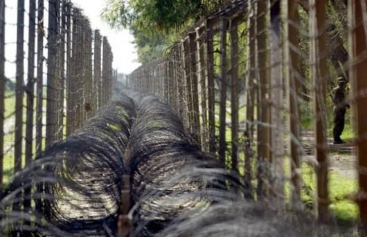 Indie muszą lepiej chronić granice z Pakistanem i Bangladeszem - twierdzi MON w New Delhi