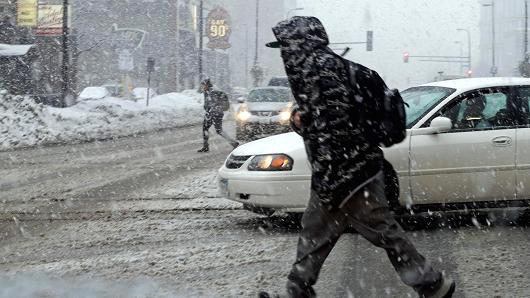 USA - Masy bardzo zimnego powietrza i śnieżyc docierają do 42 stanów 2