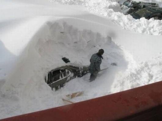 USA - W Buffalo spadło 170 cm śniegu 1