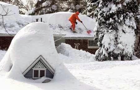 USA - W Buffalo spadło 170 cm śniegu 7