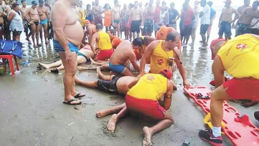 Brazylia - Gwałtowna burza, piorun zabił 4 osoby i ranił kolejne 4 na popularnej plaży w mieście Praia Grande 2