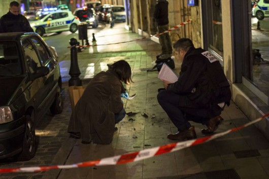 Dijon, Francja - Kolejne świry na ulicach, rozjeżdżał autem przechodniów